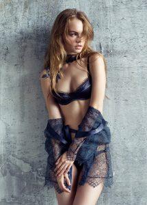 Femme aux gros seins pour une baise coquine Marne