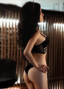 Jolie coquine du 53 se masturbe en direct